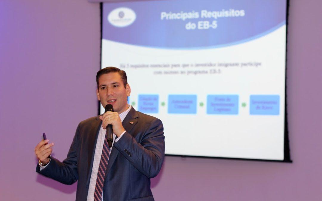 Carlos Colombo destacou-se como palestrante sobre o Visto EB-5 na Conferência de Investidores em São Paulo, Brasil